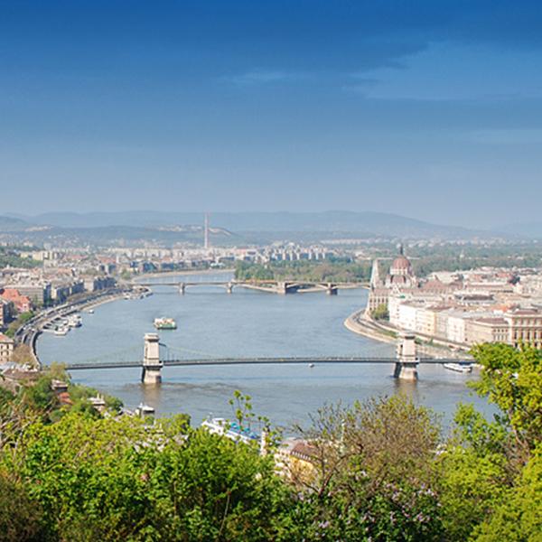 Sétahajózás a Dunán / Coffee & Cruise