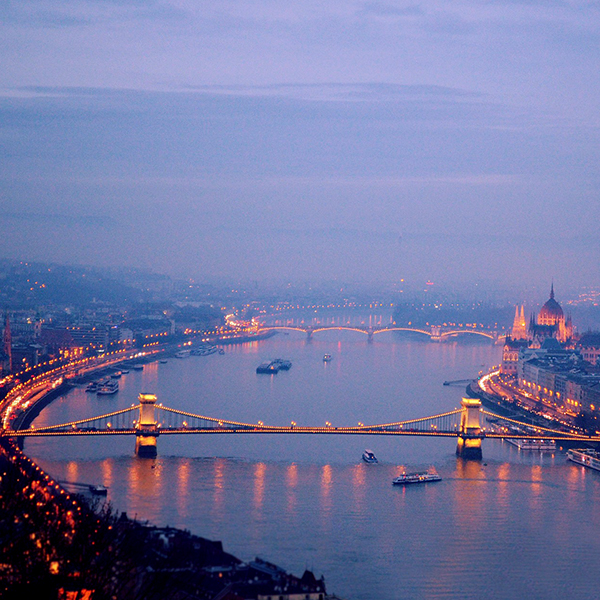 Dunai hajózás koktéllal / Cocktail & Cruise